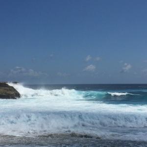 wavescrashingnusalembongan